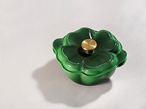 Le Creuset Cast Iron Pot (Le Creuset Green Enameled Cast Iron 2.25 Quart Clover Cocotte with Gold Knob)