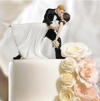 Resin Wedding Cake Topper (Great Kiss)
