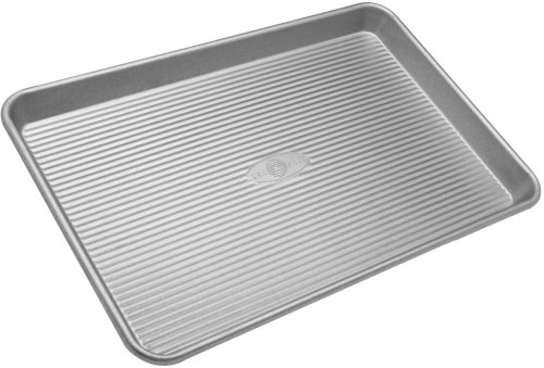 (USA Pan Bakeware Half Sheet Pan, Warp Resistant Nonstick Baking Pan, Made in the USA from Aluminized)