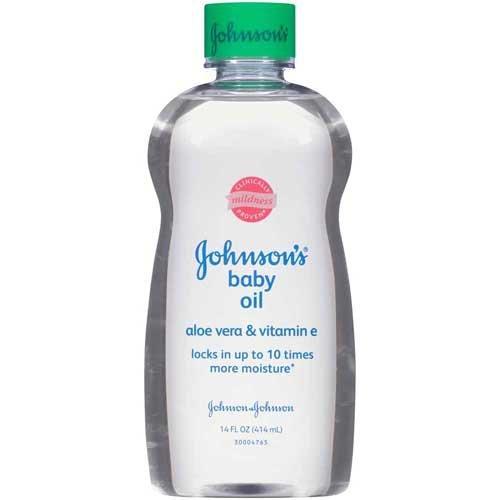 Johnson & Johnson 003332 Baby Oil with Aloe Vera & Vitamin E, 14 fl. oz. (Pack of 24) by Johnson
