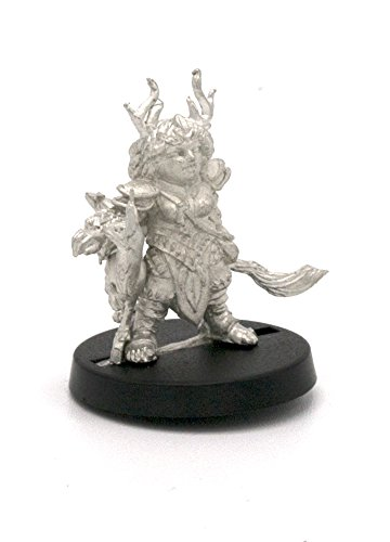 Stonehaven Dwarf Druid Miniature Figure (for 28mm Scale Table Top War Games) - Made in (Dwarf War Sword)
