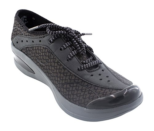 (BZees Women's Flame Sneaker, Black Triangle, 6 M)