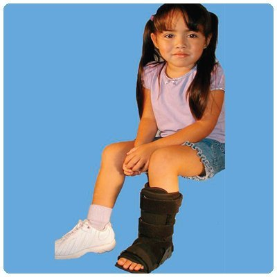 Kids Short leg Walker - Medium, Shoe Size: 3 1/2 - 8, Foot Length: 5 7/8 - 7 9/16 (10.5cm- 21.5cm) by Rolyn Prest