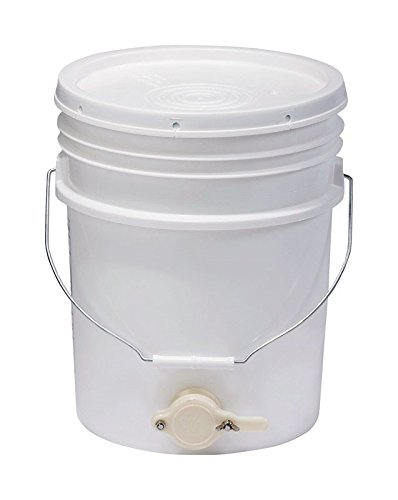Plastic Bucket with Gate