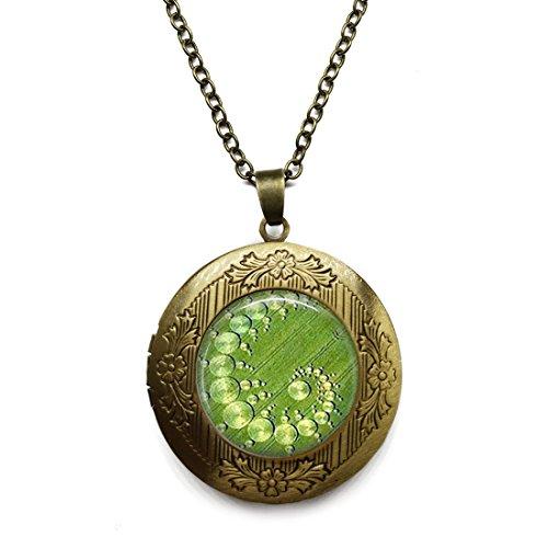 - LEO BON Alloy Pendant Crop Circle Aliens, Ufo'S, Geometric JewelryVintage Chain Necklace