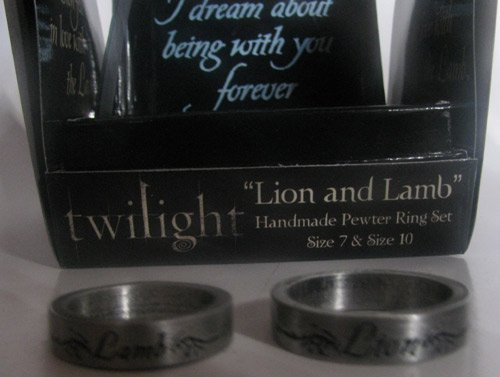 """Twilight """"Lion and Lamb"""" Pewter Ring Set (Size 7 & 10) - Officially Licensed"""