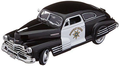 Motormax 1:24 1948 Chevrolet Aerosedan Fleetline Highway Patrol Police Vehicle
