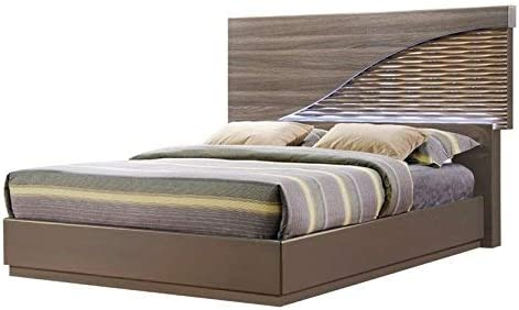 Amazon Com Global Furniture Bed Zebra Wood With Gold Lines Queen