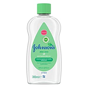 JOHNSON'S Aloe Vera Baby Oil 300ml – Leaves Skin Soft and Smooth – Ideal for Delicate Skin