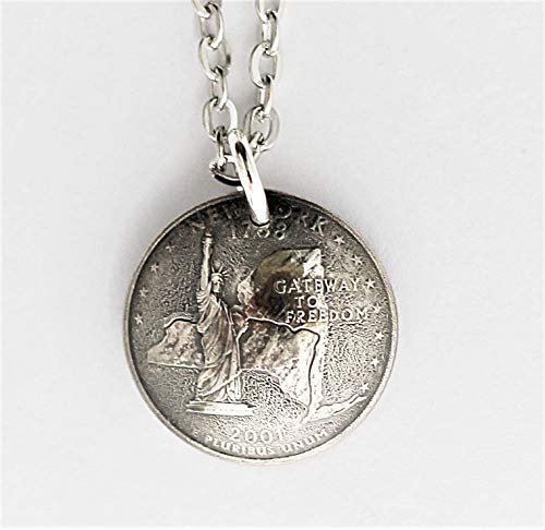 New York U.S. State Quarter Necklace Domed Coin Pendant Frosted Texture 2001 Statue of Liberty