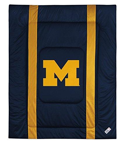 (University of Michigan Jersey Stripe Comforter (Full/Queen) )