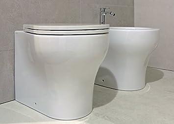 Sanitari bagno vaso filo muro con bidet e curva tecnica coprivaso