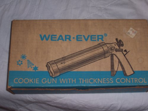 (Vintage Wear Ever 1950's Aluminum Cookie Gun & Pastery Decorator W/recipe)