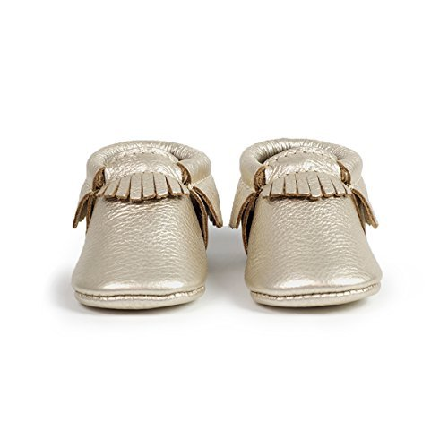 Freshly Picked Soft Sole Leather Baby Moccasins - Platinum - Size 7 by Freshly Picked