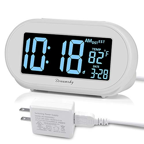 DreamSky Auto Time Set Alarm Clock with Snooze and Dimmer, Charging Station/Phone Charger with Dual USB Port .Auto DST Setting, 4 Time Zone Optional, Battery Backup. ()