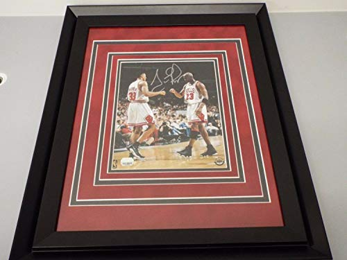 Scottie Pippen Autographed Signed & Framed Bulls 8x10 Mounted Memories Coa With Michael Jordan