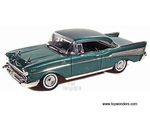 - Motormax 1957 Chevy Bel Air Hard Top 1/18 Diecast Model Car Green
