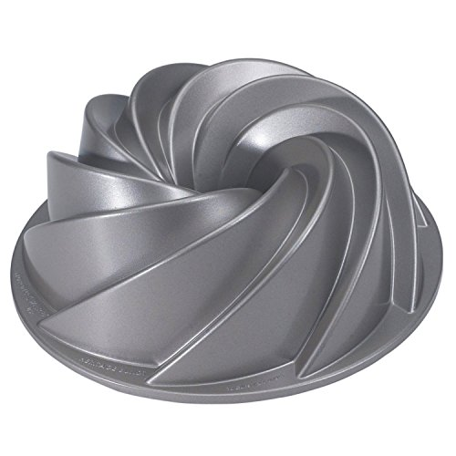 nordic-ware-platinum-collection-heritage-bundt-pan