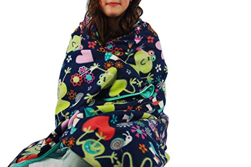 Fleece throw blanket- Smiling frogs by Created by Laura