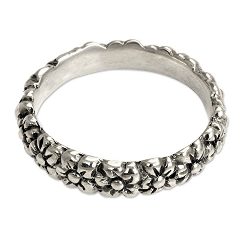 Silver Daisy Floral Band Ring, Silver Garland' ()