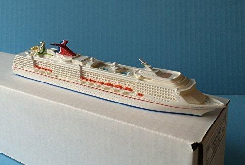 carnival-pride-cruise-ship-model-in-scale-11250-souvenir-series