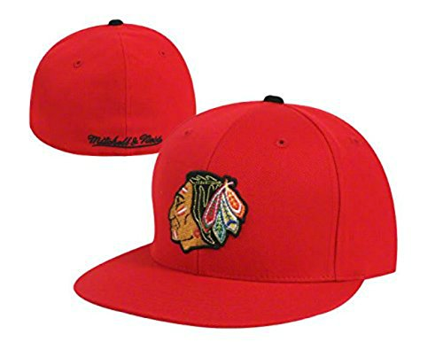 Mitchell & Ness Chicago Blackhawks Fitted Size 7 Flat Bill Hat Cap - Vintage Logo Red