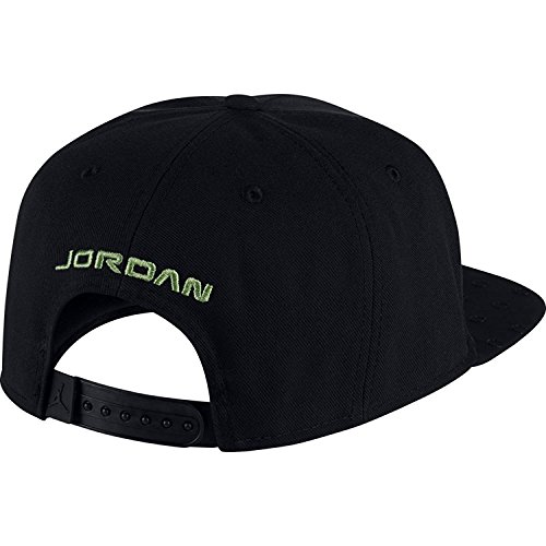 bdb99f021f9d Nike Mens Jordan Retro 13 Snapback Hat Black Black AA7205-011  Amazon.ca   Sports   Outdoors