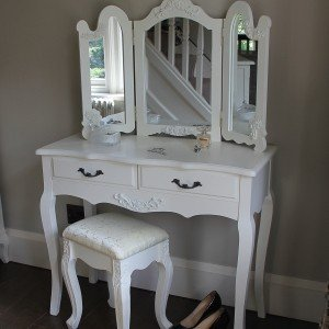 Firth Range   Ivory Cream Dressing Table With Triple Mirror And Stool
