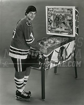 Bobby Orr Chicago Blackhawks Playing Pinball- Bruins 8x10 11x14 16x20 2064 - Size 8x10 ()