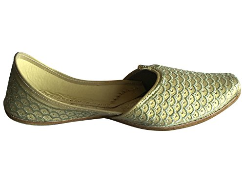 Étape N Style Hommes Punjabi Jutti Sherwani Chaussures Crème Or Zari Chaussures Designer Mocassins Chaussures Ethniques Crème Or