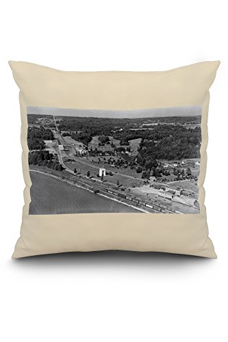 Blaine, WA Birds Eye View and Int. Peace Arch Photograph (20x20 Spun Polyester Pillow, White Border)