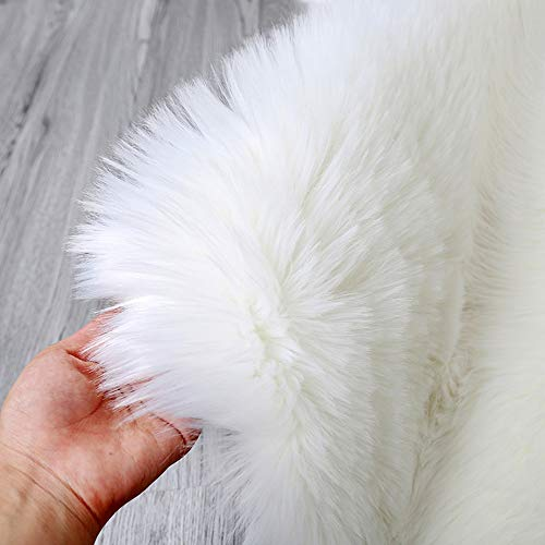 bedee Faux Sheepskin Rugs (60x150cm) Faux Fur Rug Soft Fluffy Rug Shaggy Area Rugs Anti-Skid Carpets for Bedroom Living Room Kids Room Decor