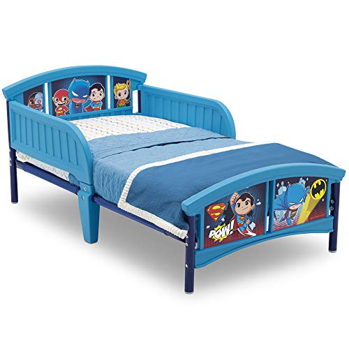 (Delta Children Plastic Toddler Bed, DC Super Friends | Batman | Superman | Cyborg | The Flash | Aquaman)