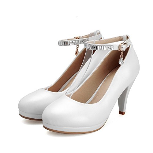 VogueZone009 Women's Buckle High-Heels PU Solid Round Closed Toe Pumps-Shoes White LkZmU