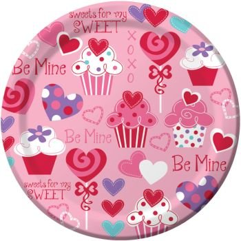 Heart Cupcake Valentine's Day Paper Plates 9-inch 8 Per Pack