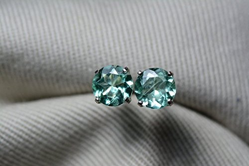 Round Colombian Emerald - 1.17 Carat Natural Colombian Round Brilliant Cut Emerald Stud Earrings In Sterling Silver Appraised