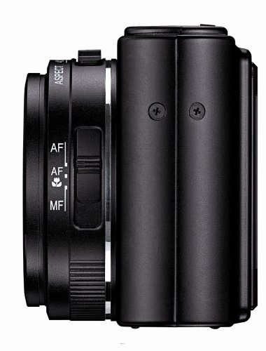 Leica D-LUX 3 10MP Digital Camera with 4x Wide Angle Optical Image Stabilized Zoom (Black) (Discontinued by Manufacturer)