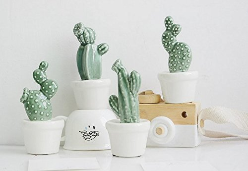 (URToys 4Pcs Mix Style Mini Ceramic Cactus Ornaments Simulation Plant Potted Home Desk Furnishings Ceramic Creative Ornaments For Christmas Gifts )