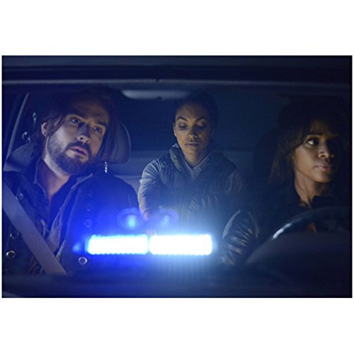 tom-mison-nicole-beharie-lyndie-greenwood-8x10-color-photo-sleepy-hollow-car-interior-light-dashboar