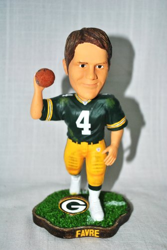 Green bay Packers #7 Brett Favre rare action pose #2 Forever Collectibles NEW IN BOX FOOTBALL BOBBLE HEAD 8'' bobblehead by FOREVER