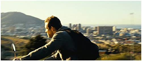 Safe House 2012 8x10 Photo Ryan Reynolds Wearing Backpack Riding Bike Kn At Amazon S Entertainment Collectibles Store