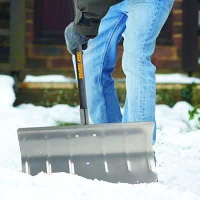 True Temper Aluminum Snow Pusher (24 in)