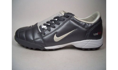 Nike JR. Total 90 III TF 308238 – 011 Antracita de gris tamaño euro 38/US 5,5Y/UK 5/24 cm