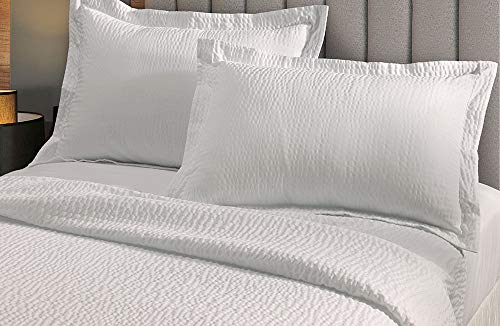 Courtyard by Marriott Textured Coverlet and Shams Set – Lightweight Bedding Set with Wash-Activated Ripple Texture Exclusively for Courtyard – Includes Coverlet and 2 Shams – White – King