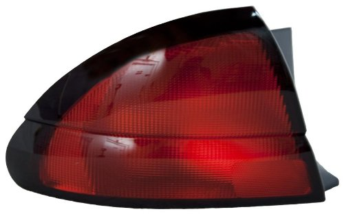 olet Lumina/Monte Carlo Driver Side Taillight Assembly (Partslink Number GM2800138) ()