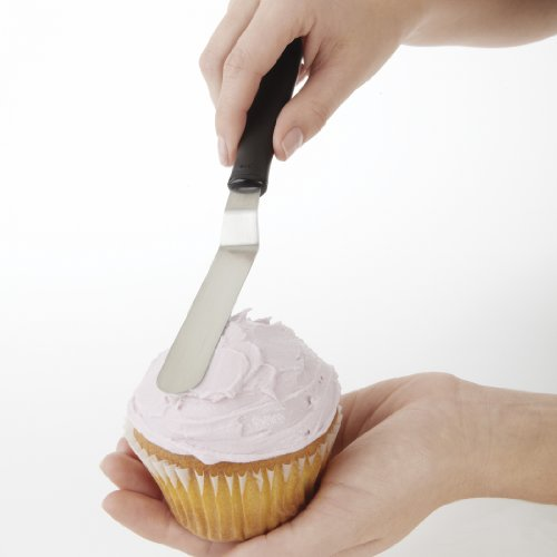 OXO Good Grips Small Offset Icing Knife