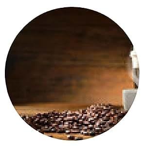 alfombrilla de ratón Tazas de café y granos de café en el fondo de madera vieja - ronda - 20cm
