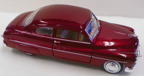 (Motormax 1/24 Scale Diecast 1949 Mercury Coupe in Color Red)