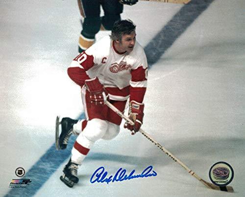 - Alex Delvecchi Autographed Detroit Red Wings 8x10 Photo