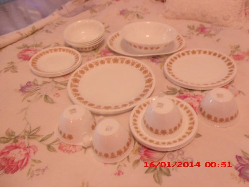 Vintage Pyrex Corning Corelle Butterfly I Pattern Service for 4 Plus 2 Serving Pieces